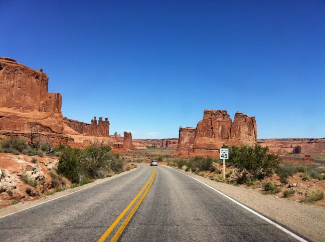 ARCHES_ROAD